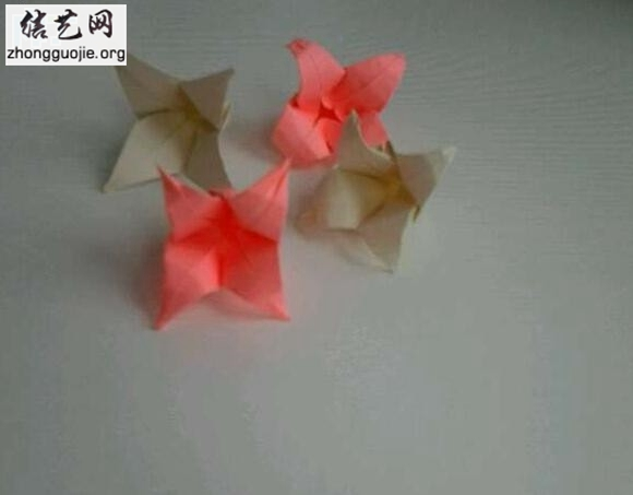 百合花的折法图解 唯美系百合花折纸步骤╭纸的折法