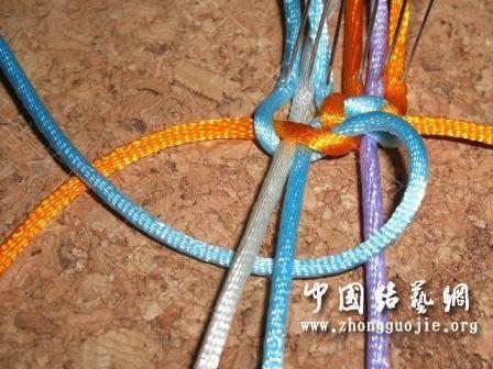 中国结论坛 一款适合初学者的红色手链  图文教程区 17254198fpg55btyl2absl