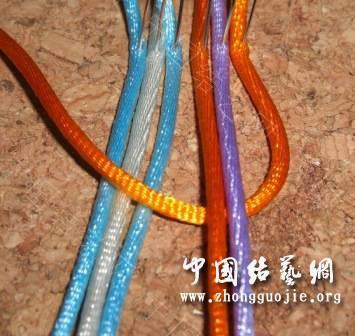 中国结论坛 一款适合初学者的红色手链  图文教程区 172639h5wpy3n3y8yiopyp