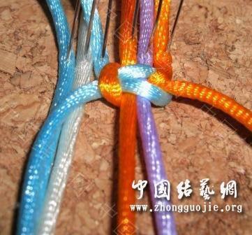 中国结论坛 一款适合初学者的红色手链  图文教程区 1727334nj6lxi40605w6v9