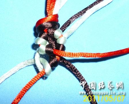 中国结论坛 可爱小花手链  图文教程区 190513lzvp7p3hqx6s7p07