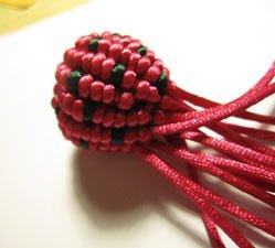 中国结论坛 5号线编的草莓教程  立体绳结教程与交流区 161820bbzjjrxpvrp5xgv0