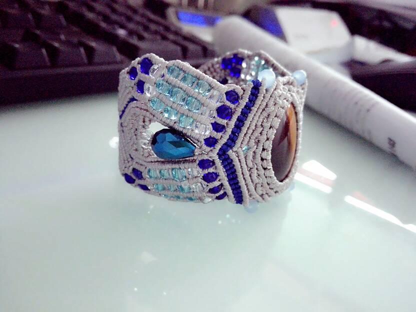 中国结论坛 原创《谜域》手链教程,清贵,华丽,优雅是它的代名词。  图文教程区 083955xctxylezy3elcwxy