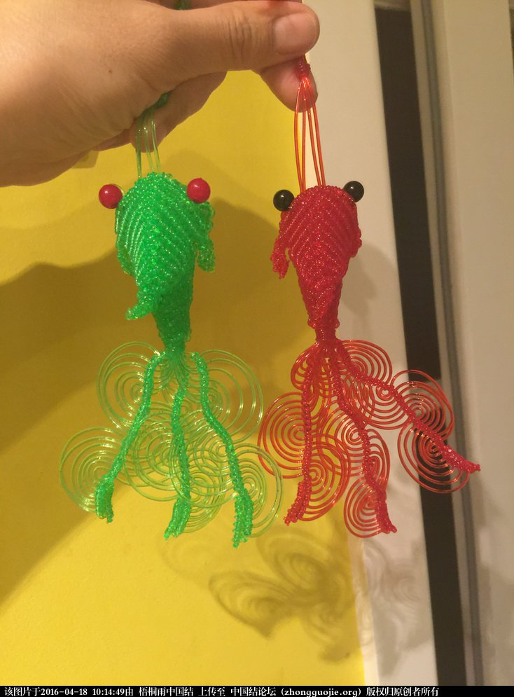 粗玻璃丝编的中国结金鱼-编法图解-作品展示-中国结