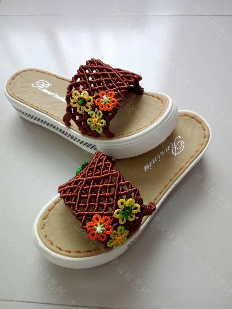 中国结论坛 简洁的镂空小花拖鞋  作品展示 171922l39qllk87844s3ki