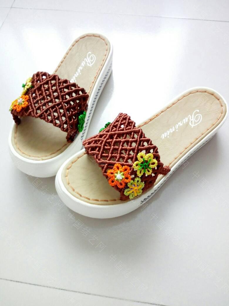 中国结论坛 简洁的镂空小花拖鞋  作品展示 171922ms3z0mi05q70bnno