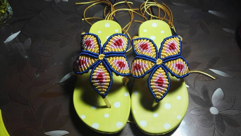 中国结论坛 外甥女的五叶花凉拖。  作品展示 220809wq6mbq5nm9sqmn9x