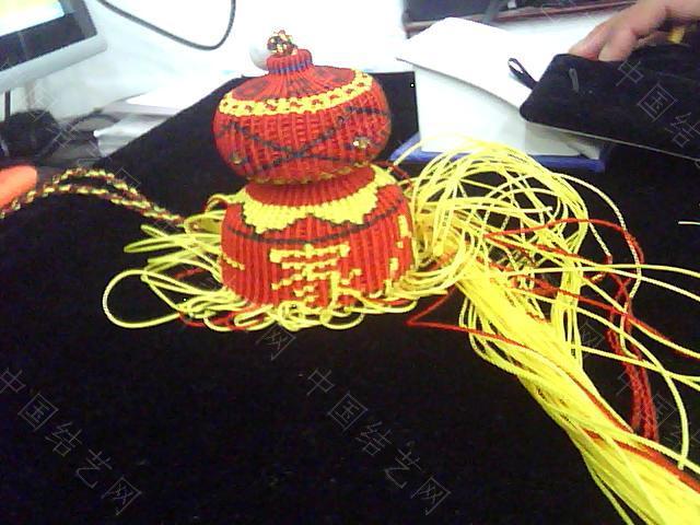 中国结论坛 帮狱编大师传的几张葫芦编织过程图  立体绳结教程与交流区 0910082258d3c612e52bc718e7