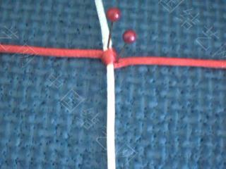 中国结论坛 斜卷结的另一种编法(很适合绕线很长的斜卷结的编结)  基本结-新手入门必看 100111204446d4099518701850