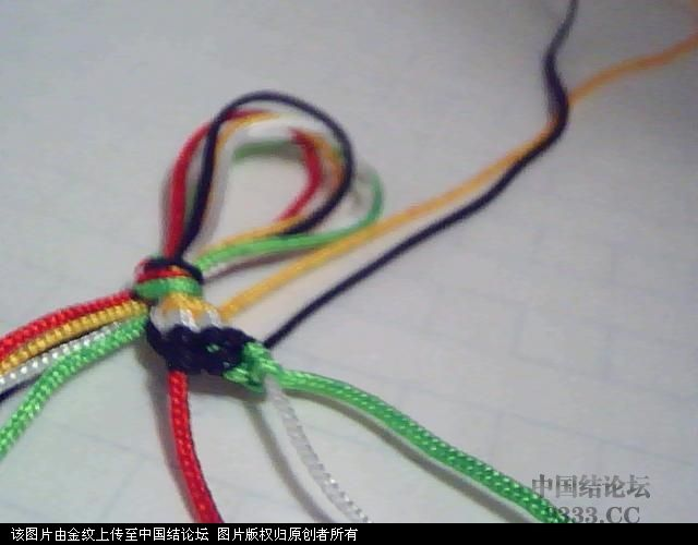 中国结论坛 五彩手链-幸运绳手链的编法图解  图文教程区 1005272252868aea351374e6ca