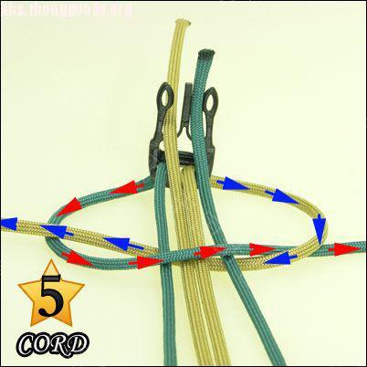 中国结论坛 偷了一个伞绳手链教程,希望大家喜欢!  图文教程区 10102118024312dbbdfc047fd8