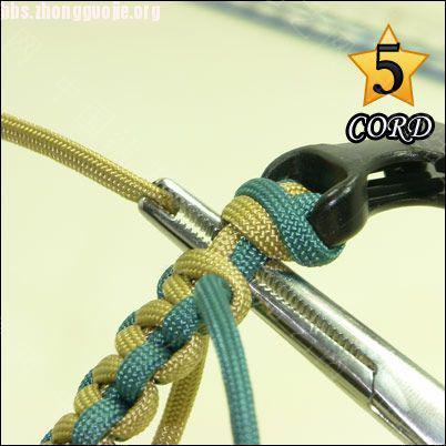 中国结论坛 偷了一个伞绳手链教程,希望大家喜欢!  图文教程区 10102118025103b6d6d5aef121