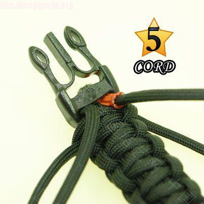 中国结论坛 偷了一个伞绳手链教程,希望大家喜欢!  图文教程区 1010211802648861440dc3b19a