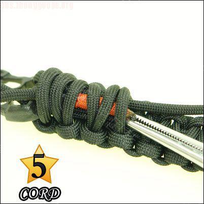 中国结论坛 偷了一个伞绳手链教程,希望大家喜欢!  图文教程区 10102118026dafe71334d1dc67