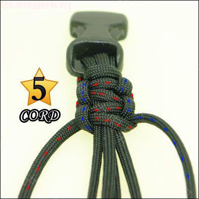 中国结论坛 偷了一个伞绳手链教程,希望大家喜欢!  图文教程区 1010211802736d255008a98f09