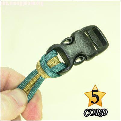 中国结论坛 偷了一个伞绳手链教程,希望大家喜欢!  图文教程区 1010211802a1becaf8f3dcaaa0