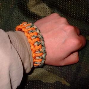 伞绳手链用法和使用说明介绍