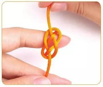 文玩人学起来,纽扣结的编法,给自己的宝贝编一个