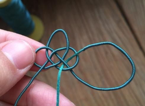 """「教你编绳」中国结之""""祥云结的编织方法,用处广泛形态美观"""