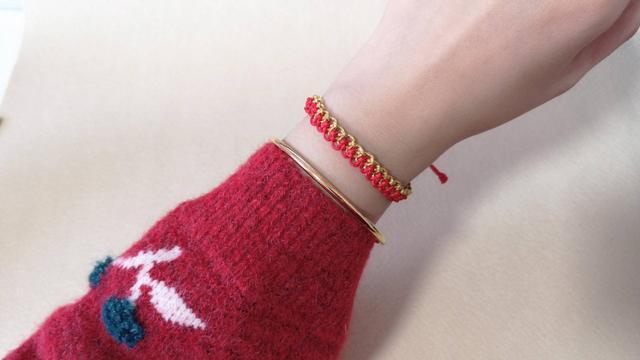 学编绳手链,这个结叫财运亨通,中国结的一种,教程简单易懂