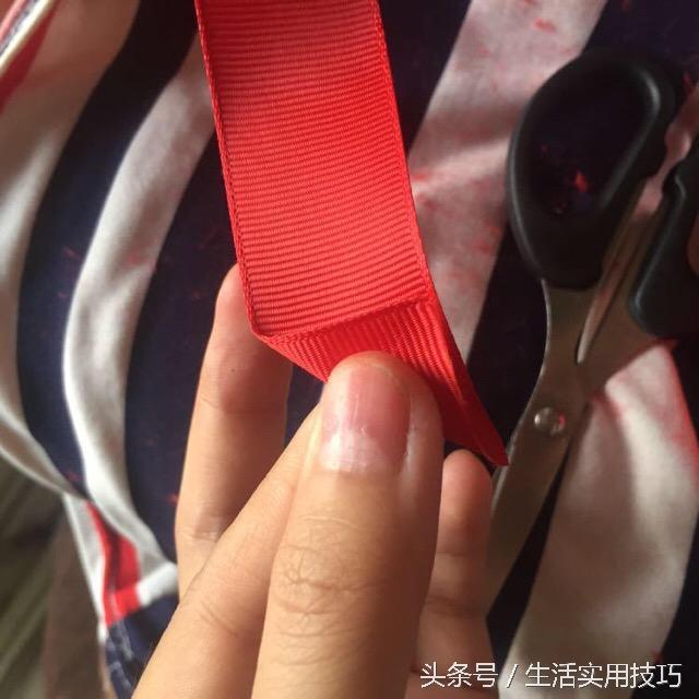 手工达人教你用丝带编织中国风车挂