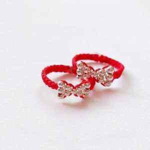 一学就会的蝴蝶结串珠红绳戒指,时尚又可爱