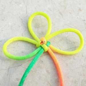 木子手工:号称中国式蝴蝶结的酢浆草结的手工红绳编织教程