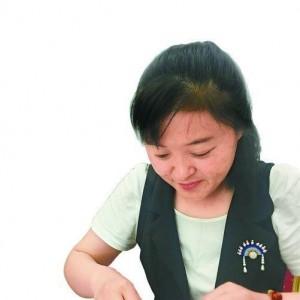 这个巧娘不简单!从手工菜鸟变专家,她做的中国结曾送给诺奖得主