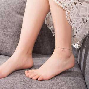 不用羡慕人家时髦,推荐8款脚链,你照样可以洋气有女人味起来