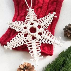 可以做挂饰的小雪花,用一根绳子就能编织,结绳手工附教程