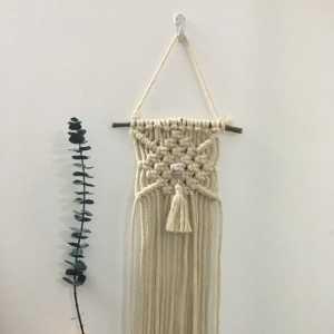 招桃花的手工编织小挂毯壁挂Macrame
