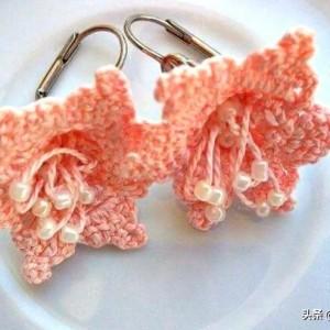 这么美的耳饰全是我钩针编织的,喜欢我的手艺吗?