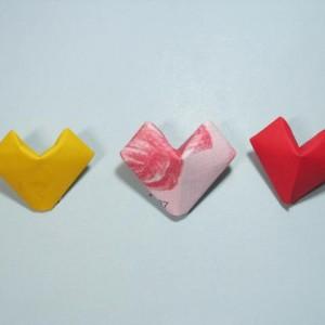 钱币折纸立体爱心图解,怎么折纸币爱心教程