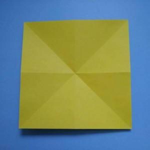 简单郁金香折纸步骤图,二种适合幼儿园大中小班手工课教程