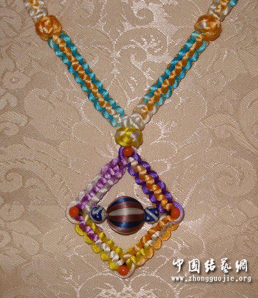 中国结论坛 平結轉彎做成的項鍊  作品展示 0053360kq0psftk6sfzqtr