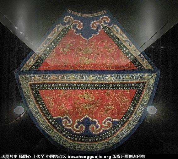 中国结论坛 北京服装学院民族服饰博物馆-------结饰细节与刺绣工艺 北京服装,民族服饰,博物馆,学院,结饰 中国结文化 165914nrxdcvnhcyctdoni