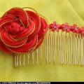 用双钱结和纽扣结组合的金边玫瑰发梳