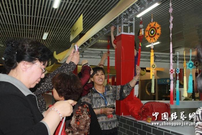 中国结论坛 2011年5月北京聚会照片集锦(有名称对应哦) 北京聚会,聚会,照片,照片集,集锦 结艺网各地联谊会 2122175umi7iiiouiz7wjj