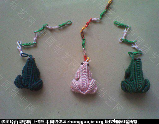 中国结论坛 再秀我编的青蛙 用青蛙编一个小故事,长气球编青蛙,斜卷结编青蛙,青蛙在荷叶上 作品展示 183307ksqhljzjkji3q474