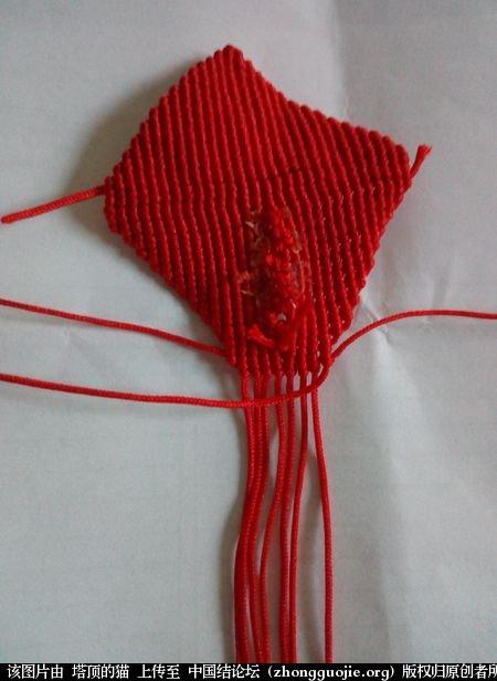 中国结论坛 马蹄莲小挂饰的两种编法 马蹄莲 立体绳结教程与交流区 100200q5p9tpu1rfzu1695