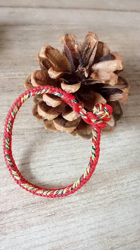 中国结论坛 快到端午节了,给宝贝们编了几条五彩手绳带,保佑孩子们平安  作品展示 173342q97lajg00olpzmaq