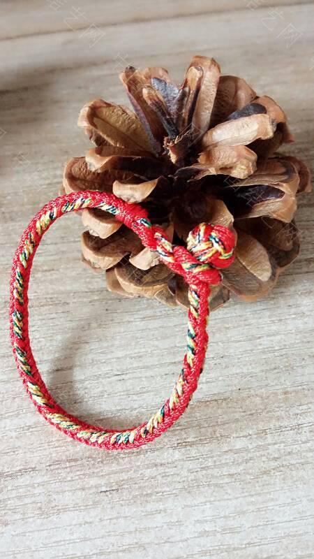 中国结论坛 快到端午节了,给宝贝们编了几条五彩手绳带,保佑孩子们平安  作品展示 173342ub4jgbc7qpq2hhzg