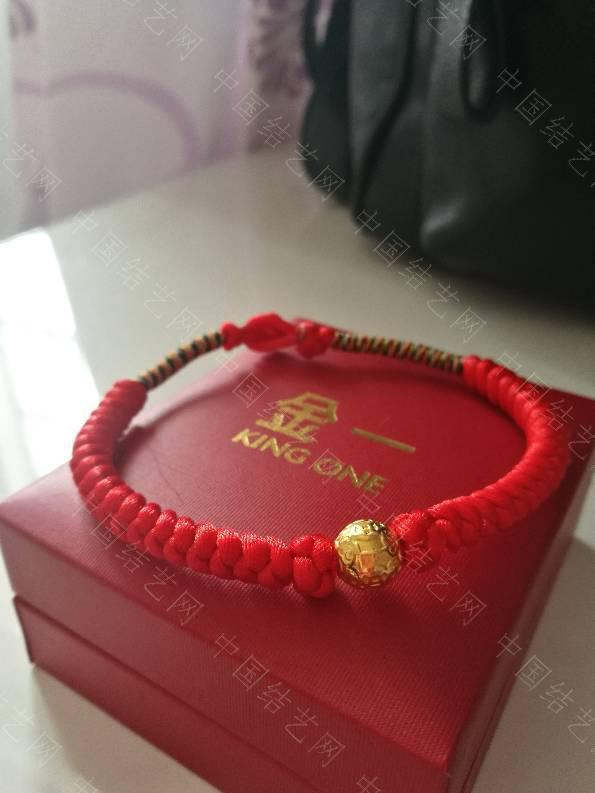 中国结论坛 晒晒最近编的红手绳,哈哈  作品展示 125843copcmm2c7xa7n6pk