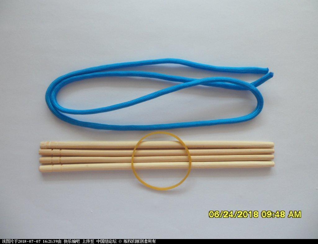 中国结论坛 简单实用的伞绳小挂件(2)  图文教程区 153121twy6qbca5c5baw5a