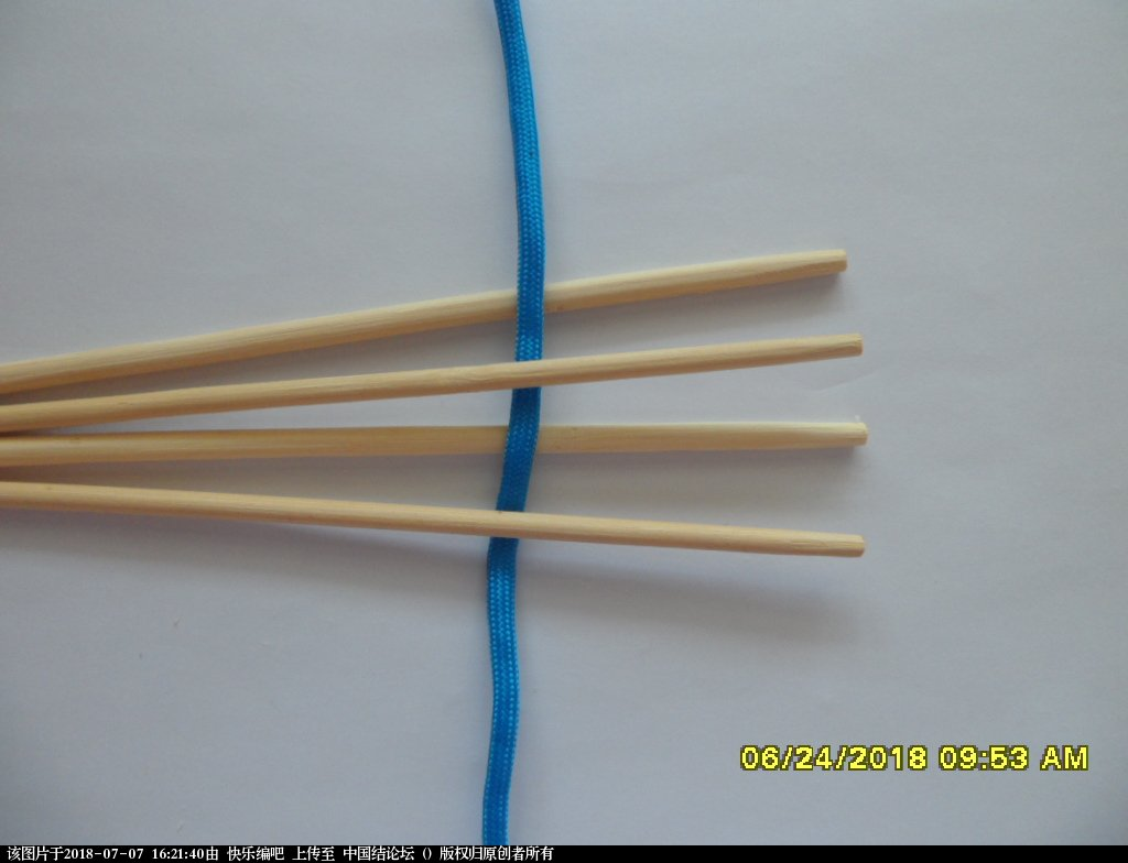 中国结论坛 简单实用的伞绳小挂件(2)  图文教程区 153615qcvec2ffdcdzpcb9
