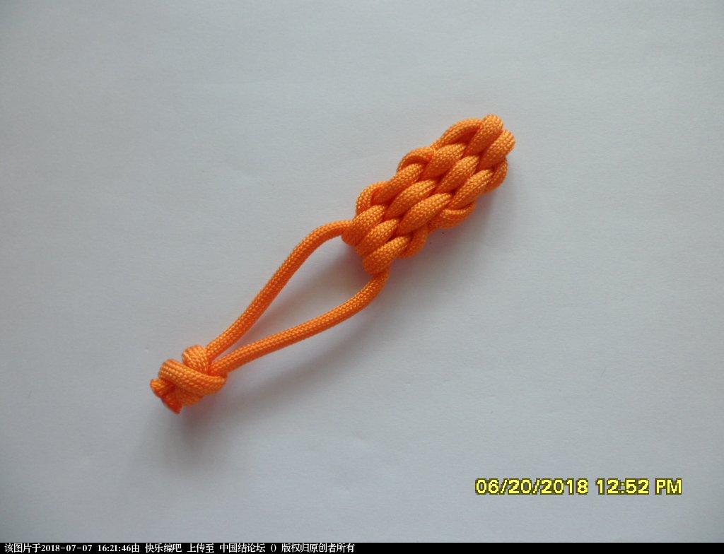 中国结论坛 简单实用的伞绳小挂件(2)  图文教程区 155852jbabd7dkld71zlal