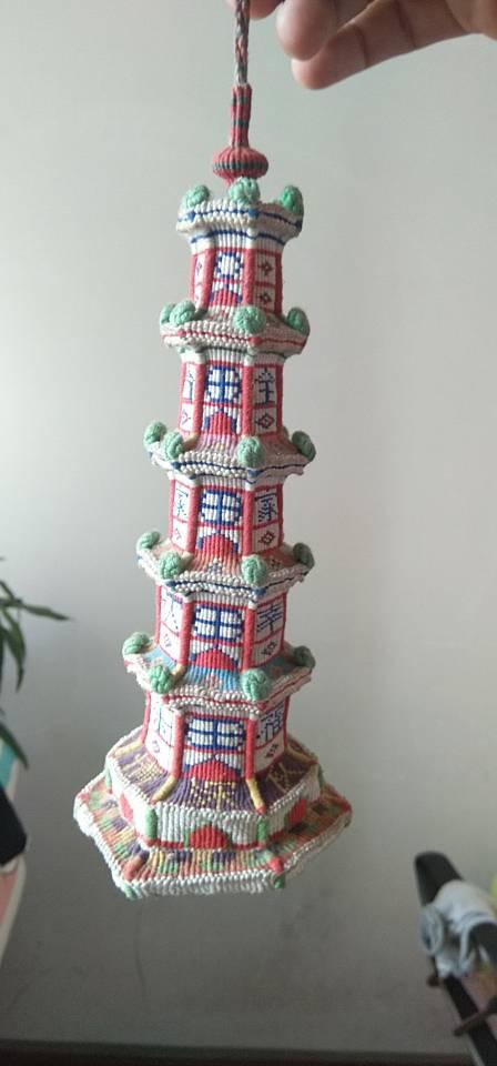中国结论坛 合家幸福欢乐宝塔完工,历时半年  立体绳结教程与交流区 193140ei7b9v69lo5lywv7