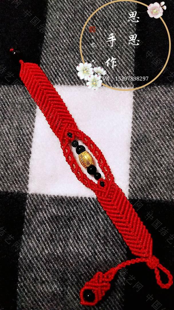 中国结论坛 一个朋友五六个银桶珠让我给编手链,清一色的红绳  作品展示 110327jg22nc4x8ccwczjc
