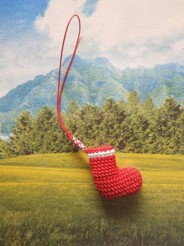 中国结论坛 圣诞小袜子,感觉编的很成功,哇咔咔,好开心。真的很萌。  作品展示