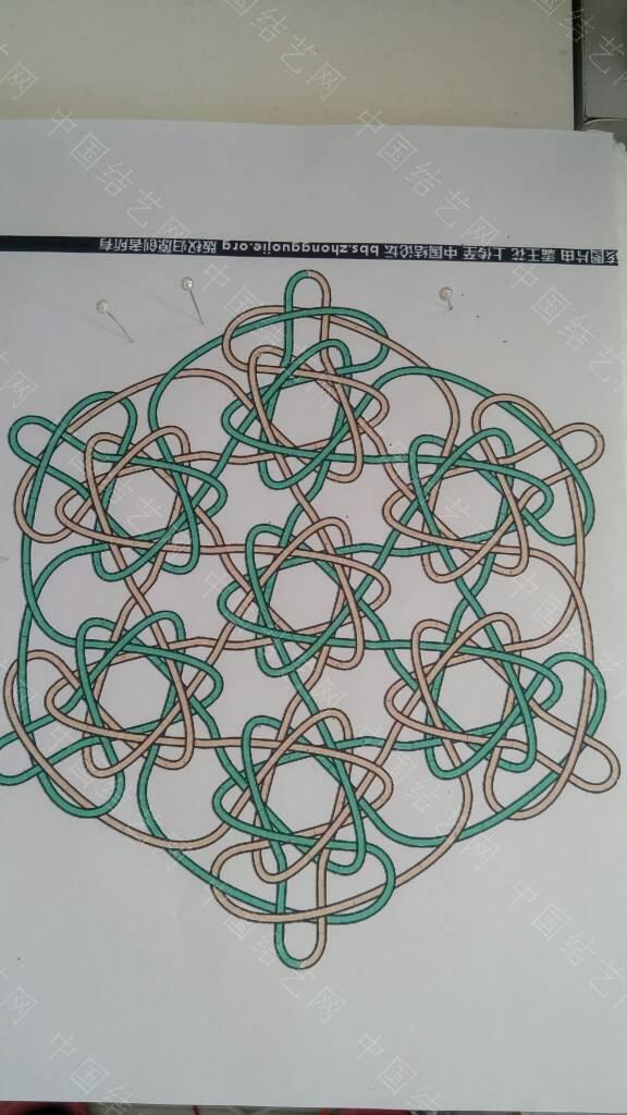 中国结论坛 求助六瓣锁结连体,看图怎么也整不出来呀  结艺互助区 140622wb32v104wyaz2pe2